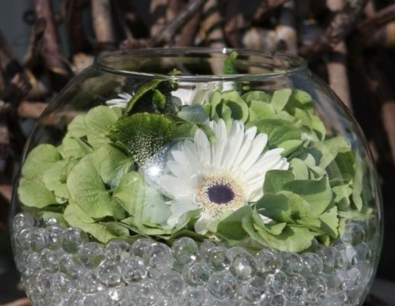 Bille de gel dans vase bulle en verre