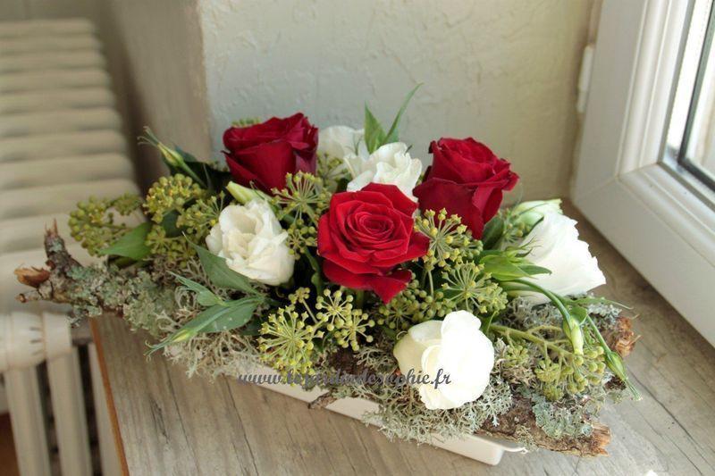 Centre de table automne avec roses et fleurs blanches