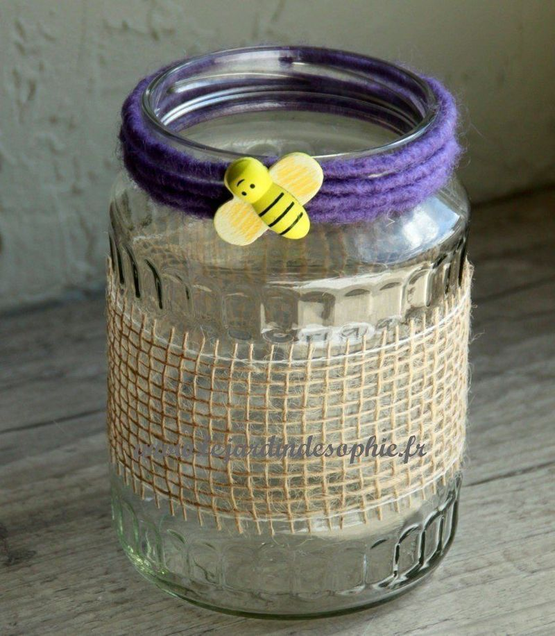 Bocal en verre customiser avec du ruban de toile de jute naturel